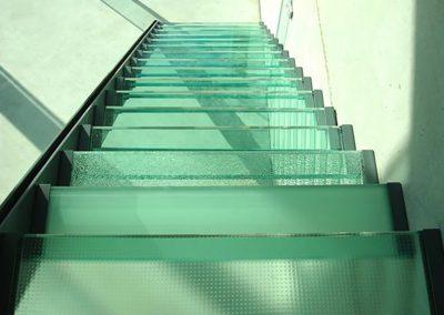 trap in glas